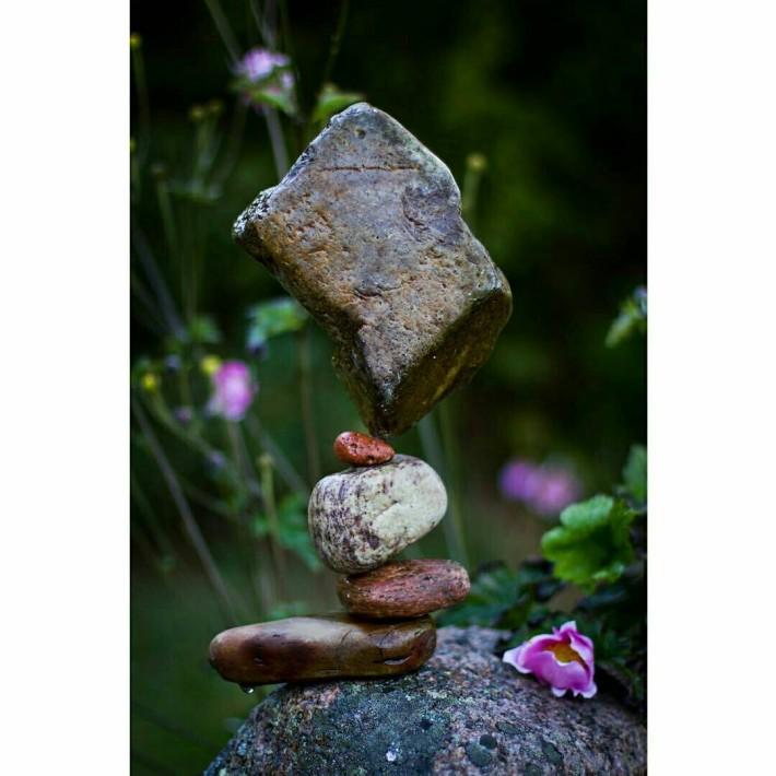 스웨덴의 흔한 돌탑 쌓기 장인.JPG